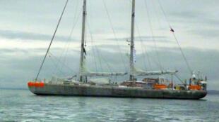 Tara en route vers Lorient.