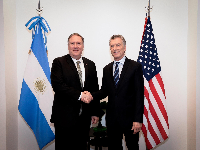 زئیس جمهوری آرژانتین و مایک پمپئو وزیر خارجۀ آمریکا