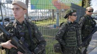 An ninh được siết chặt tại khu làng thế vận ở Rio de Janeiro, Brazil, 27/07/2016.