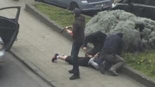 Arrestation musclée ce vendredi à Anderlecht de l'une des cinq personnes interpellées dans le cadre des attentats du 22 mars.
