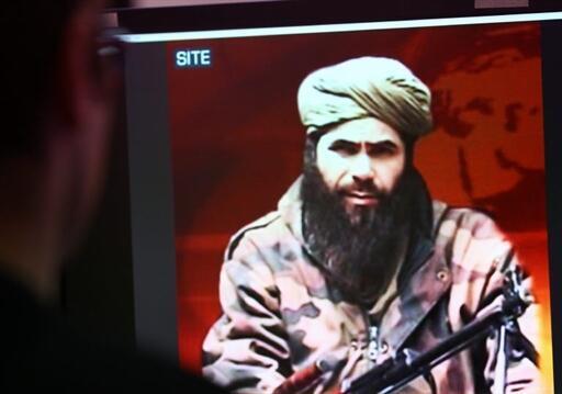 Abdelmalek Droukdel, chef d'Aqmi, sur l'écran d'un groupe de surveillance américain de terrorisme à Paris, en 2010.