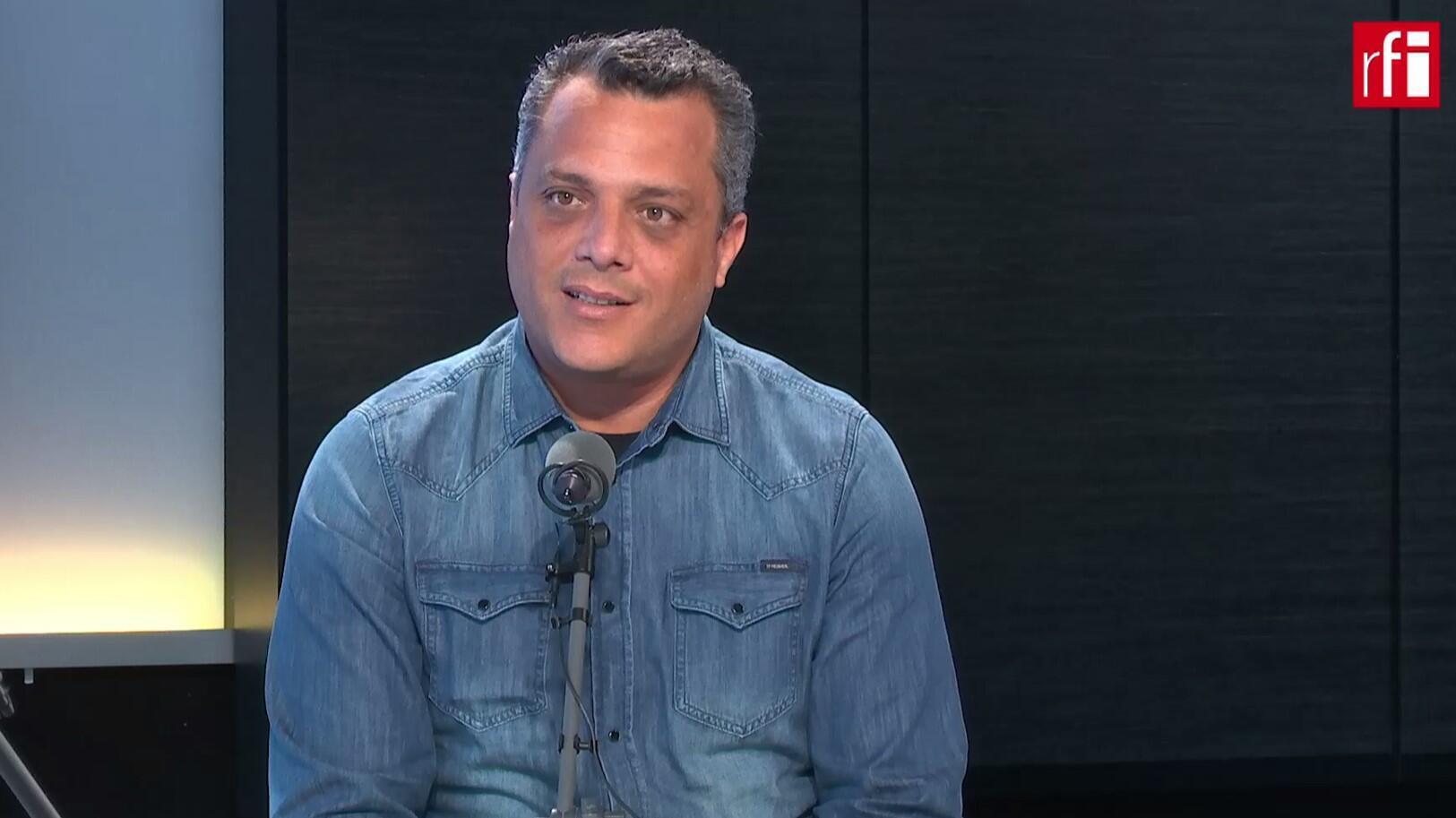 O prefeito de Contagem, Alex de Freitas, nos estúdios da RFI