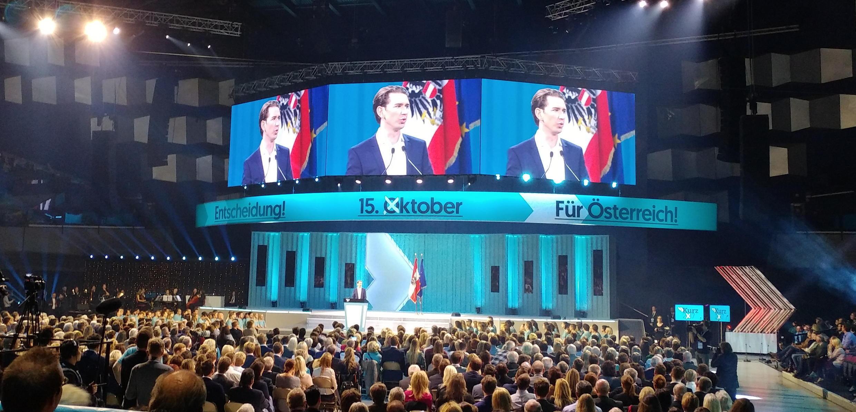 Le candidat de l'ÖVP Sebastian Kurtz a de fortes chances de remporter le scrutin.