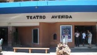 Teatro Avenida em Maputo, co-dirigido por Manuela Soeiro e Henning Mankel