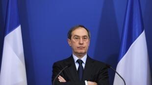 Le ministre français de l'Intérieur Claude Guéant, à Paris, le 2 décembre 2011.