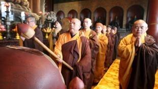 中国大陆僧人在广济寺为台南地震遇难者亡灵超度
