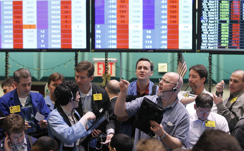 Sàn giao dịch giá dầu tại New York 24/02/2011