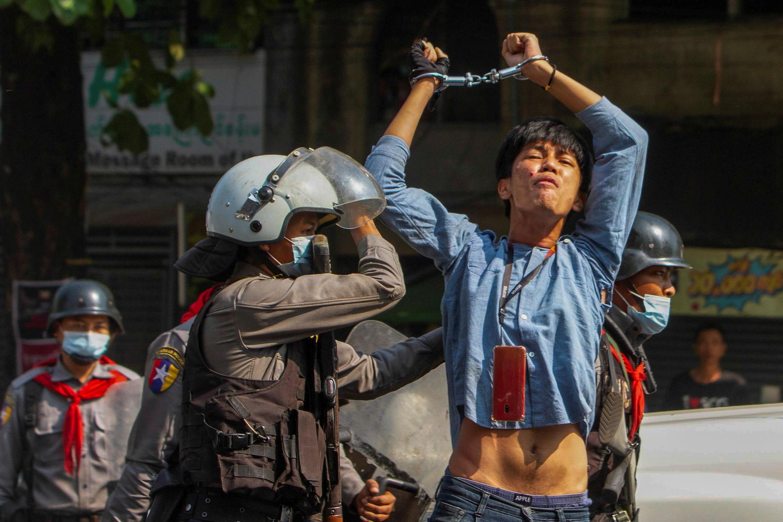 Deux mois après le coup d'État, la répression de la junte contre les civils a fait plus de 520 morts.