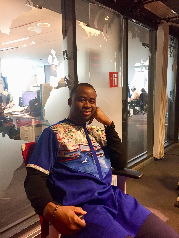 L'écrivain nigérian Chigozie Obioma en studio à RFI (janvier 2020).