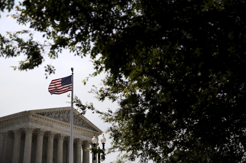 Projeto Obamacare, que prevê novos direitos da população norte-americana para a saúde foi aprovado pela Suprema Corte de Justiça.