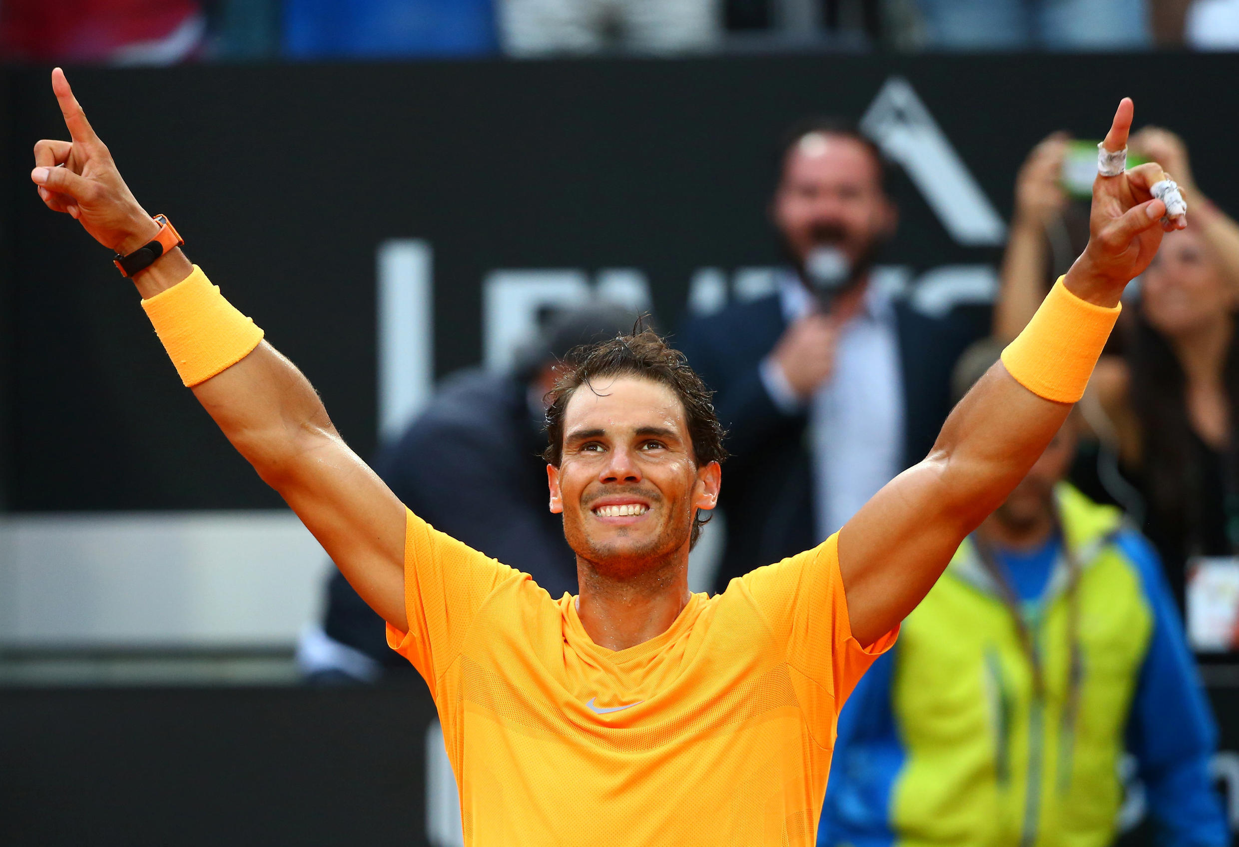 Rafael Nadal returned to the top of the world tennis ranking after winning in Rome, 20 May 2018.