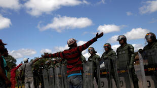 Situação entre moradores e militares está cada vez mais tensa na fronteira entre Brasil e Venezuela (imagem em Pacaraima, no lado brasileiro)