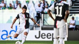 L'attaquant star de la Juventus Cristiano Ronaldo contre le Torino, le 4 juillet 2020 au stade de la Juventus à Turin