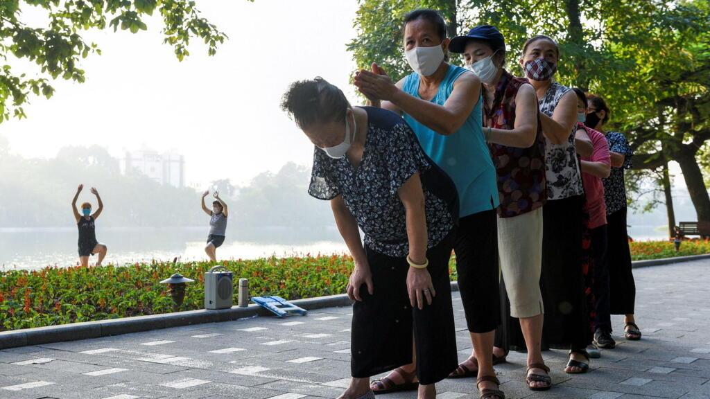 Việt Nam: Hơn 1/3 tỉnh xác định ''cấp độ dịch'' theo chính sách mới