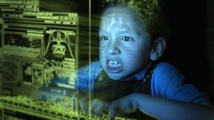 Nghiện internet, một hình thức nghiện phổ biến hiện nay (DR)