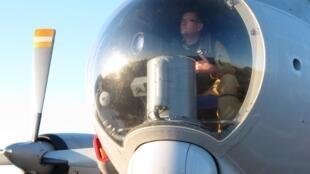 Observateur dans le nez d'un avion de patrouille maritime française, Atlantique 2.