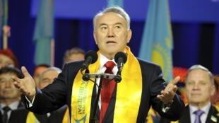 O presidente do Cazaquistão, Noursoultan Nazarbaïev, está no poder há 22 anos.