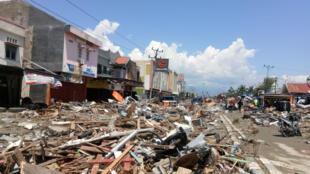 A cidade de Palu, na ilha de Celebes, ficou totalmente destruída.