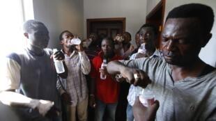 Muammar Kadafi recrutou mercenários em países vizinhos, na África negra.