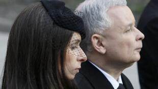 Jaroslaw Kaczynski durante el funeral de su hermano gemelo.