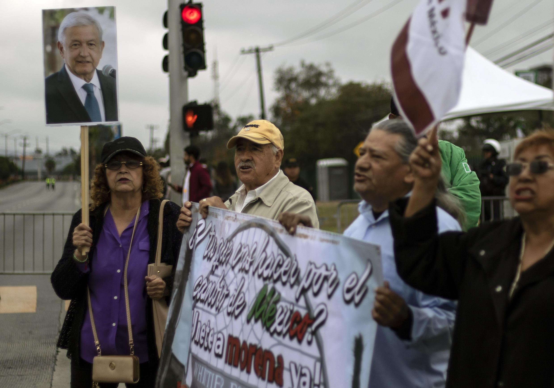Andrés Manuel López Obrador sigue subiendo en las encuestas en el estado de Baja California.