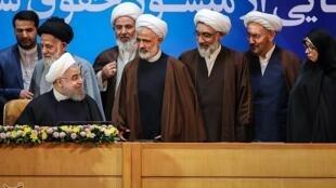 حسن روحانی و منشور حقوق شهروندی