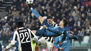 Mshambuliaji wa Real Madrid Christiano Ronaldo akifunga bao katika mchezo wa ligi ya mabingwa Ulaya, msimu uliopita