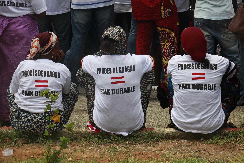 Les victimes des violences postélectorales manifestent pour que Laurent Gbagbo soit jugé par la justice internationale. Abidjan, le 17 juin 2013.