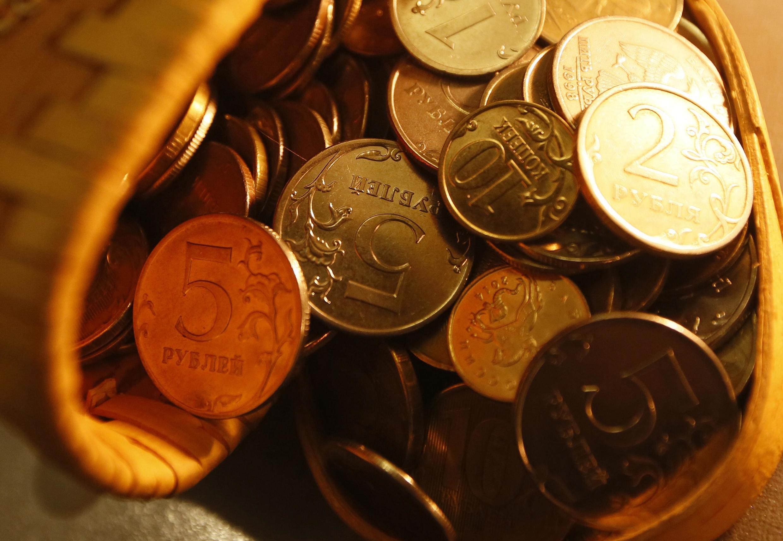 В понедельник, 28 сентября, курс евро на Московской бирже поднялся выше  92 рублей.