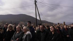 Manifestation contre la hausse des taxes, le 23 novembre 2018 à Mitrovica, au Kosovo.