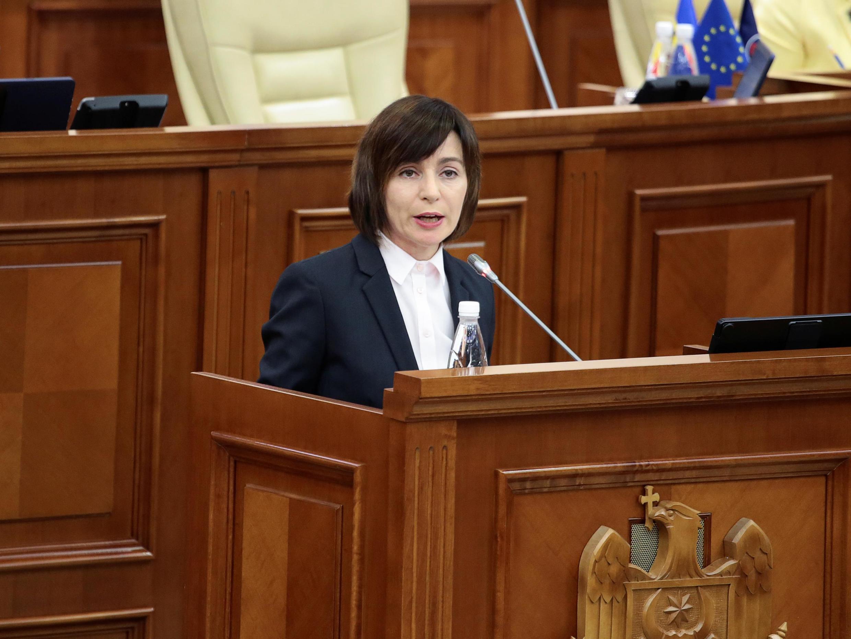 Майя Санду на заседании парламента Молдовы, 12 ноября 2019