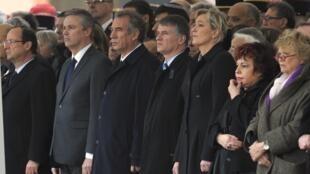 La cérémonie d'hommage aux trois parachutistes tués, à la caserne du 17e RGP de Montauban, le 21 mars 2012.