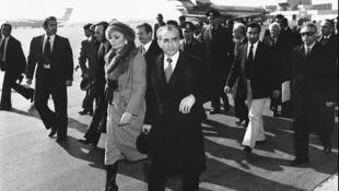 محمدرضا شاه پهلوی و شهبانو فرح دیبا هنگام ترک ایران