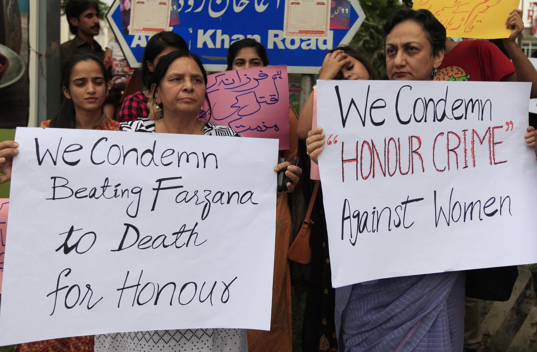 Biểu tình tại Islamabad, Pakistan, ngày 29/05/2014, phản đối vụ ném đá giết Farzana Iqbal
