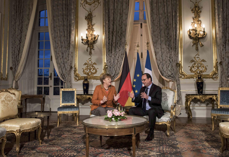 Канцлер Германии Ангела Меркель и президент Франции Франсуа Олланд в префектуре Страсбурга, 7 февраля 2015 г.