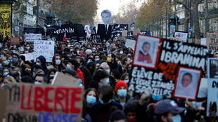 2020-11-28 france paris protests security law police violence press freedom