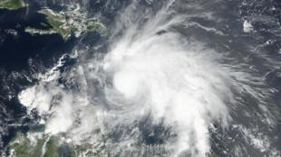 Imagem do furacão Matthew captada pelo satélite Suomi NPP da Nasa.
