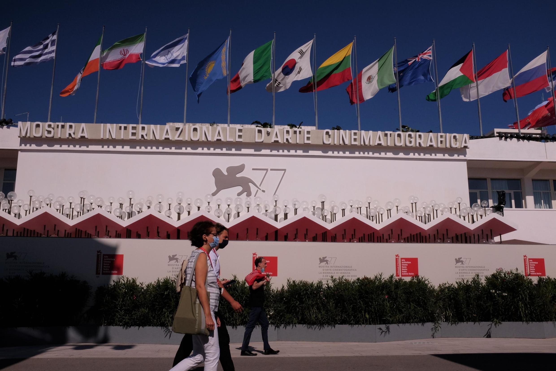 Vue sur le Palais du cinéma, l'un des lieux phares (et très protégés) de la 77e Mostra de Venise (2-12 septembre 2020).