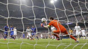 Bàn thắng đầu tiên của Juventus trong trận bán kết C1gặp Real Madrid, tại Estadio Santiago Bernabeu, Madrid, Tây Ban Nha, ngày 13/05/2015
