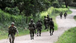 Les Bacrim sont désormais une «cible» militaire, les forces armées pouvant en outre recourir à des bombardements pour les combattre, a annoncé vendredi le ministre de la Défense colombien.