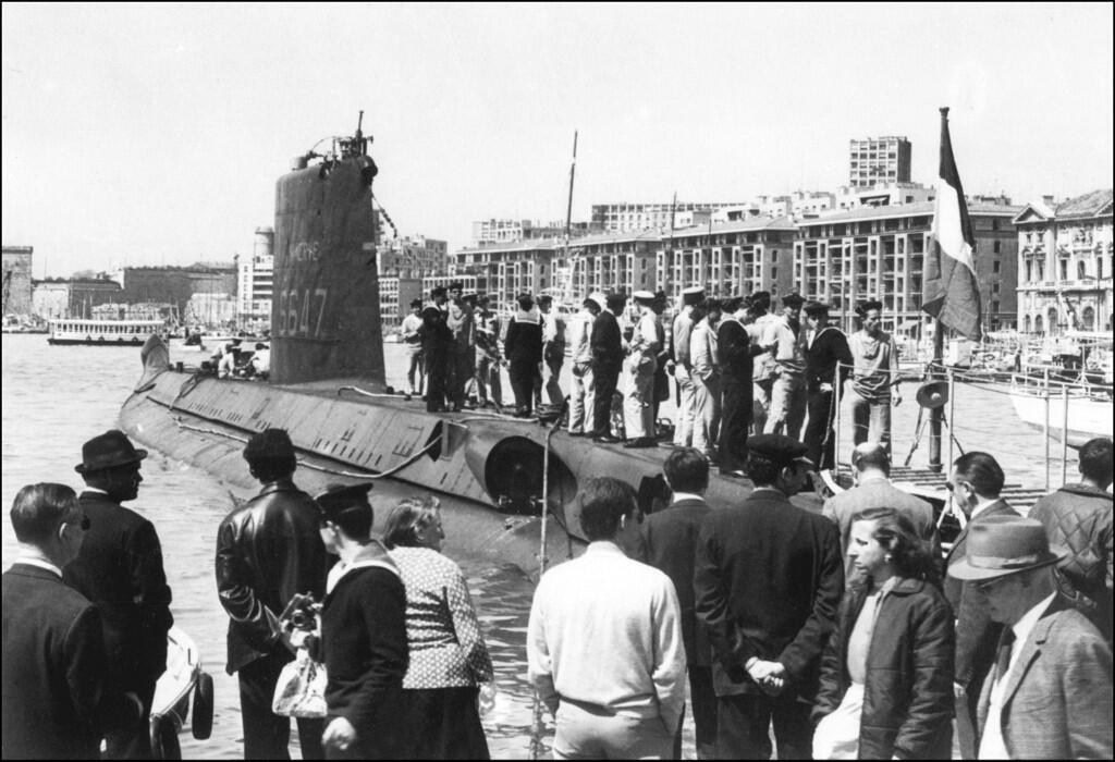 """عکس آرشیو : تصویری که از """"Minerve"""" در دهه دوم سالهای ۶٠ میلادی گرفته شده، این زیر دریایی را در بندر قدیمی شهر """"مارسی"""" در جنوب فرانسه نشان میدهد."""