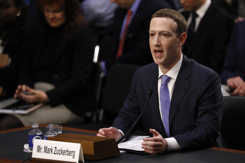 Mark Zuckerberg, chủ nhân Facebook ra điều trần trước Thượng Viện Hoa Kỳ, Washington, ngày 10/04/2018