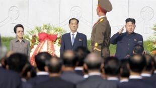 Bà Kim Kyong Hui (T) và Kim Jong Un (P) trong lễ kỷ niệm 60 năm đình chiến Triều Tiên. Ảnh ngày 25/07/2013