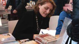 Наринэ Абгарян на книжном салоне в Париже