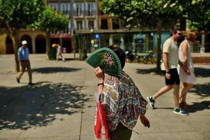 شهر پامپلونا در اسپانیا، در طول موج گرمای ماه ژوئیه امسال (٢٠۱٩).