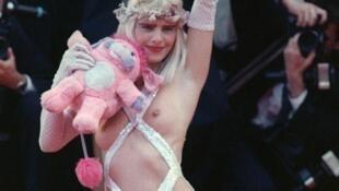 Cicciolina fez a alegria dos fotógrafos em 1988 durante o Festival de Cinema de Cannes