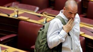 L'ancien ministre Yanis Varoufakis, redevenu député, le 15 juillet 2015 à l'Assemblée nationale grecque.