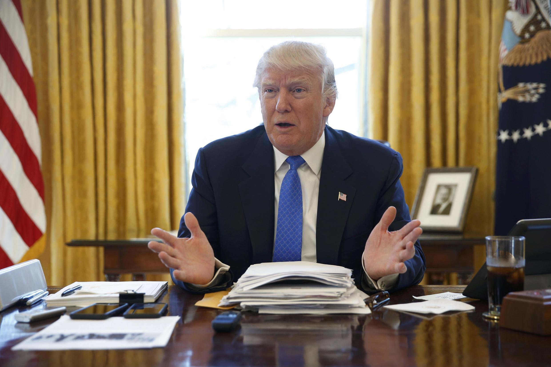 2月23日特朗普在白宮辦公室