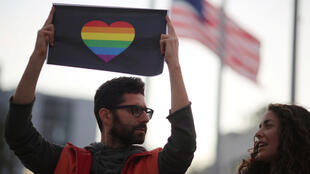 Manifestación de apoyo a las víctimas de Orlando en West Hollywood, California, este 12 de junio de 2016.