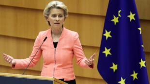 Chủ tịch Ủy Ban Châu Âu Ursula von der Leyen phát biểu tại phiên họp Nghị Viện Châu Âu, tại Bruxelles, Bỉ, ngày 16/09/2020.